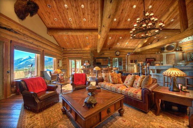 Cabin Interior Design Demonstrated With This Beautiful Log Home Living Room.